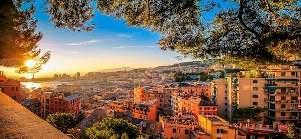 Genoa, gamlebyen panorama sett fra toppen.