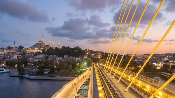 Utsikt over Halic T-banestasjon i Istanbul,Tyrkia
