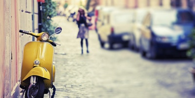 Istock 000018323820 moped scooter italia