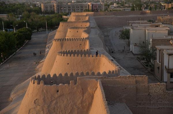 Utsikt over den gamle byen Khivas vegger