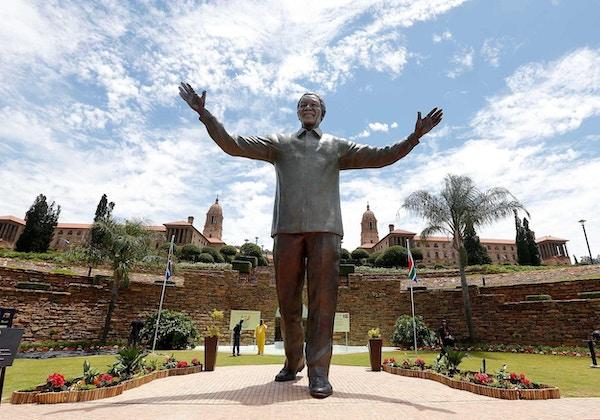 Statue av Nelson Mandela i Sør-Afrika.