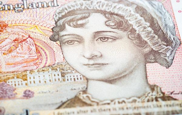 Nærbilde på overflaten av en 2017-polymere £ 10-lapp, med 1800-tallets forfatter Jane Austen.