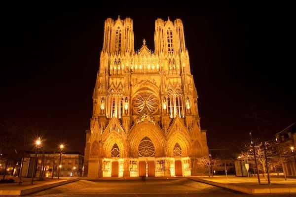 Berømte Notre-Dame de Reims om natten, UNESCOs verdensarvliste