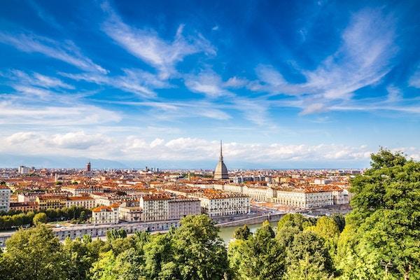Utsikt til Torino sentrum en sommerdag.