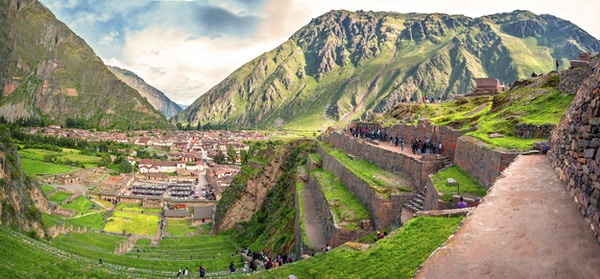 Ollantaytambo, gammel Inka-festning i den hellige dalen i Andesfjellene i Cusco, Peru, Sør-Amerika