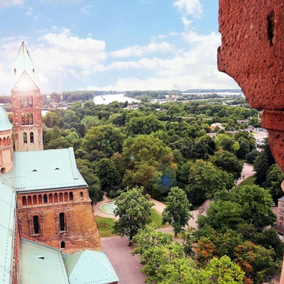 Utsikt fra et kirketårn over byen Speyer