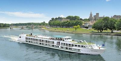 Skipet MS Van Gogh på seilas på elven Rhone