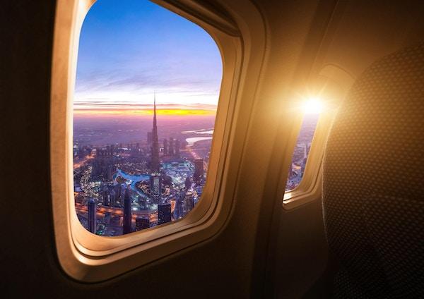 Dubai-skyline fra flyet