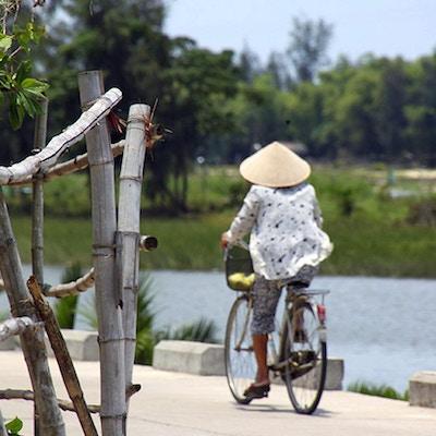 Sykkeltur ved elven