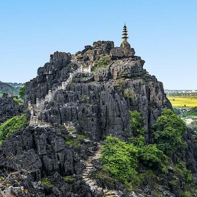 Hang Mua (Mua Cave mountain) solnedgangsutsikt i Ninh Binh, Vietnam