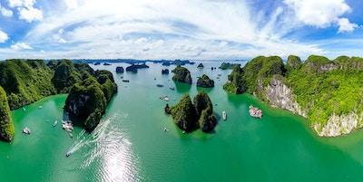 H? Long Bay er et UNESCOs verdensarvliste og et populært reisemål i Quang Ninh-provinsen, Vietnam.