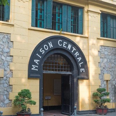 Inngang til fengselet i Hanoi. Foto.