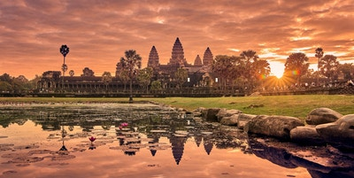 Utsikt over Angkor Wat ved soloppgang, Arkeologisk park i Siem Reap, Kambodsja UNESCOs verdensarvsted Visning av Angkor Wat ved soloppgang, Arkeologisk park i Siem Reap, Kambodsja UNESCOs verdensarvliste