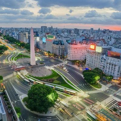 9. juli avenyen i Buenos Aires er et populært landemerke.