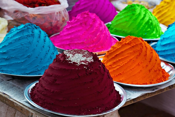 Indisk fargerikt pulver, marked, India