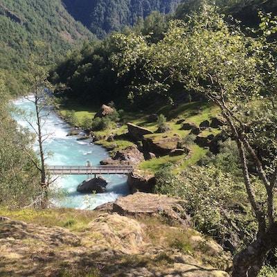 Elvestryk og vill natur