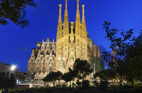 Vakker katedral på kveldstiden