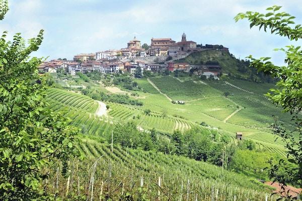 Alba piemonte italia 2