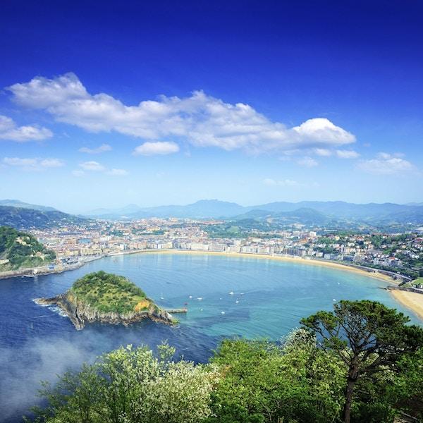Utsikt over San Sebastian-bukten, baskiske provinser, Spania. Sammensatt bilde