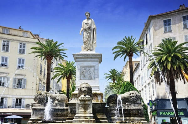Napoleon-statue i Ajaccio, Korsika, Frankrike. Statuen ble laget i 1804 av Francesco Massimiliano Laborer