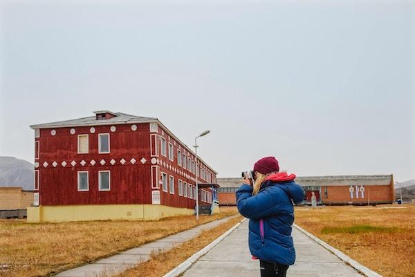 En kvinnelig fotograf