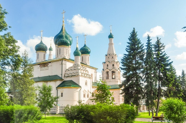 Elias kirke Profeten er den mest kjente av de mange kirkene fra 1600- og 1700-tallet bygget av velstående kjøpmenn i Yaroslavl.