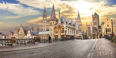 Vakker middelalderske Gent over solnedgang. Belgia.