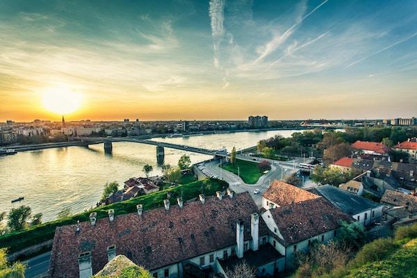 Bybilde fra Novi Sad. Horisontalt bilde.