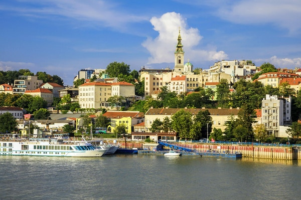 Det historiske sentrum av Beograd ved bredden av elven Sava