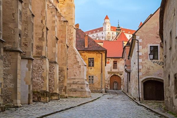Gamle gate i Bratislava, Slovakia.
