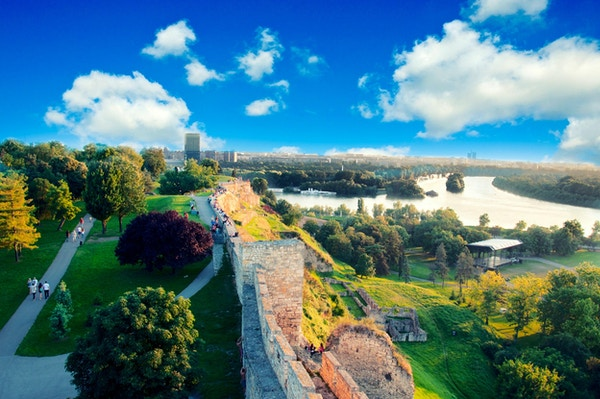 Utsikt over Beograd fra festningen Kalemegdan