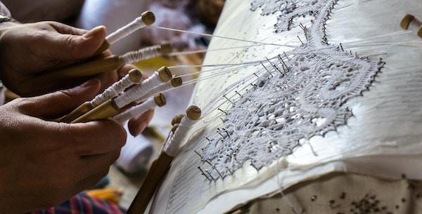 Produksjon av håndverksvarer i Mandrogi