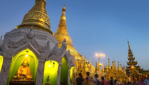 Shwedagon-pagode i Yagon, Myanmar. Den 2500 år gamle pagoden er den eldste historiske pagoden i verden.