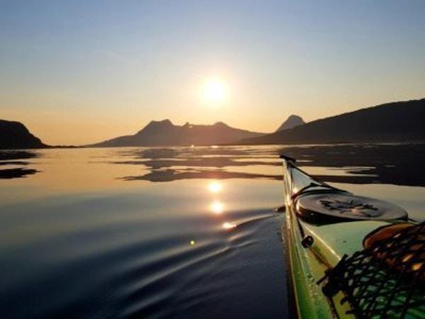På padletur på Helgelandskysten