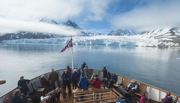 På båttur på Svalbard