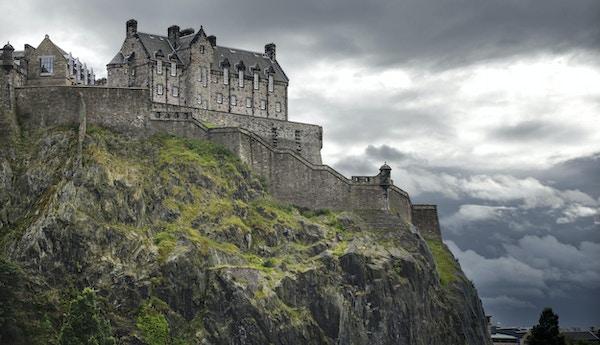 Edinburgh slott i Skottland.