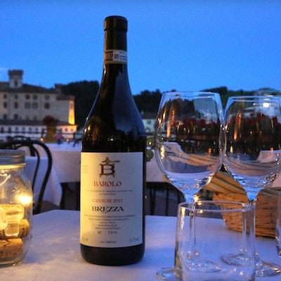 Hotel Barolo med vinflaske