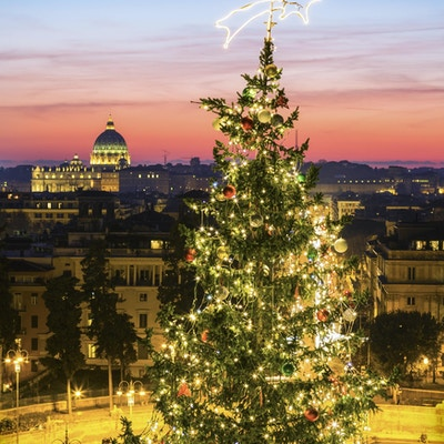 Juletre og Piazza del Popolo i Roma, Italia