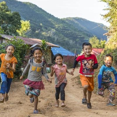 Seil på nordlige Mekong gjennom Laos
