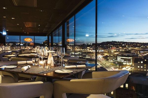 Hotel riverton skybar 01