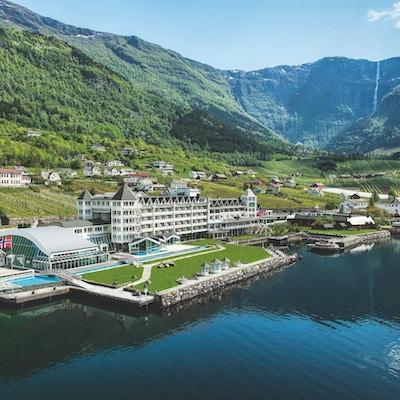 Bilde av stort hotell