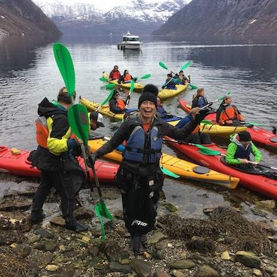 Kajakk, mennesker,fjord