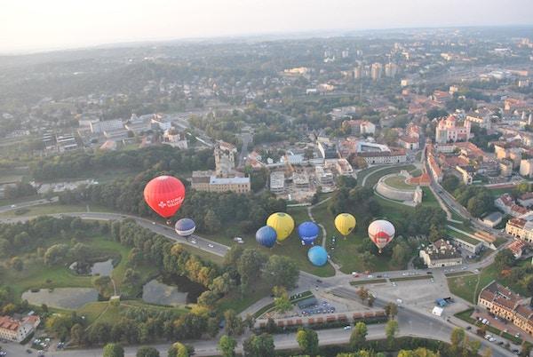Fargerike ballonger