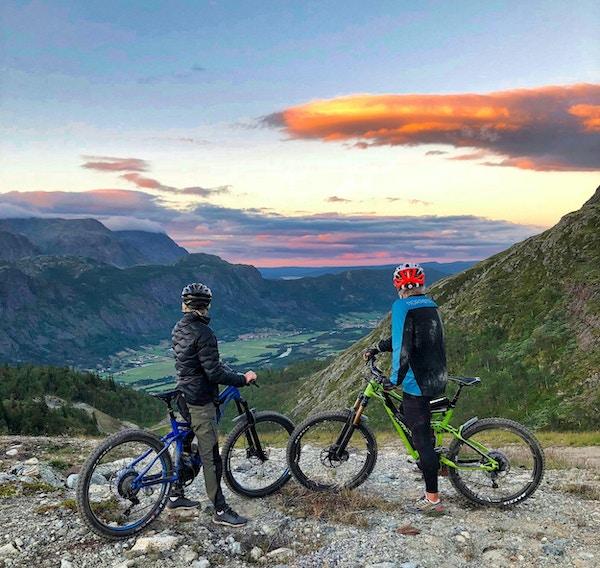 Sykkel, mennesker, utsikt,natur