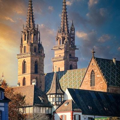 To kirketårn i Basel.