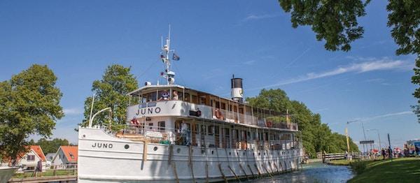 M/S Juno på elveseilas