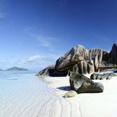 Seychellene er de vakreste tropiske øyene i verden i det indiske hav. Sammensatt bilde