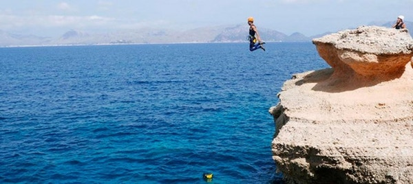 Klipper, blått hav