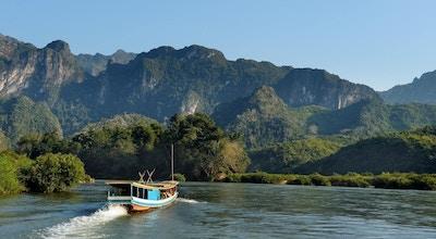 Nydelig landskap rundt Mekong-elven nær Luang Prabang i Laos.