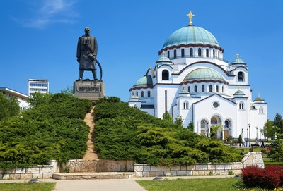 Monument til minne om Karageorge Petrovitch foran katedralen i Saint Sava i Beograd, Serbia